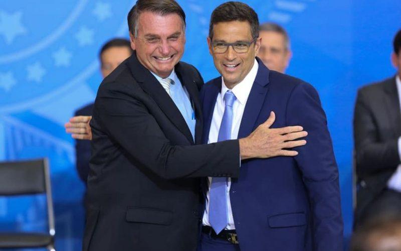 Bolsonaro nomeia presidente e sete diretores do Banco Central