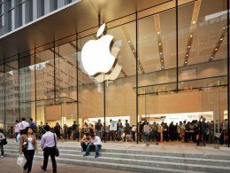 Apple dobra lucro e atinge recorde de receita