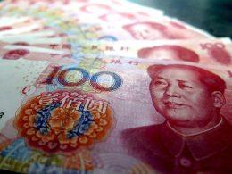 A criação da moeda digital chinesa ameaça hegemonia do dólar?
