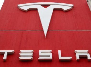 Michael Burry aposta em queda da Tesla ainda em 2021