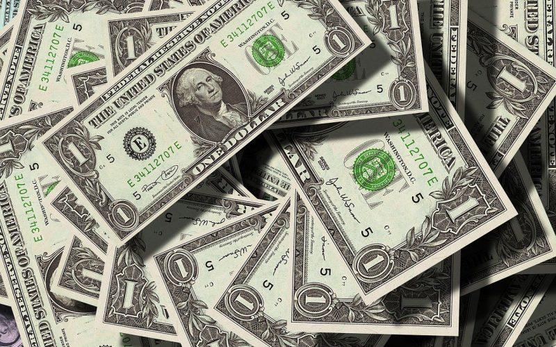 Dólar deve estagnar em R$ 5 ou vai cair mais? Veja as projeções!