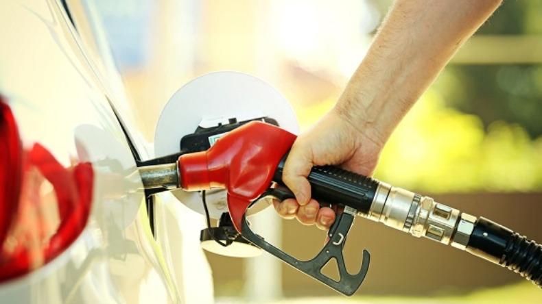 Preço médio da gasolina subiu seguidamente nas últimas 7 semanas