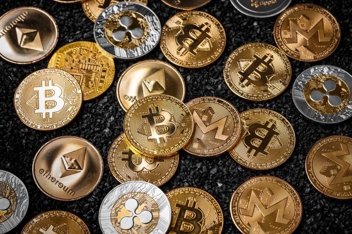 Fundo de George Soros confirma investimento em criptomoedas